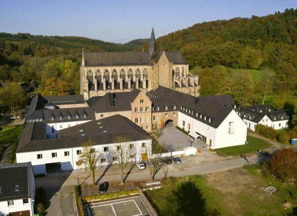 Marienschul-Big Bands spielten im Altenberger Dom